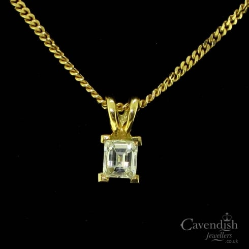 18ct Gold And Millenium Cut Diamond Pendant Necklace