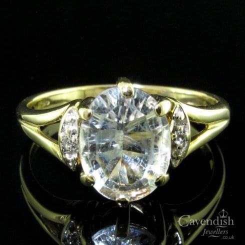 9ct Gold Clear Quartz And Diamond Single Stone Ring