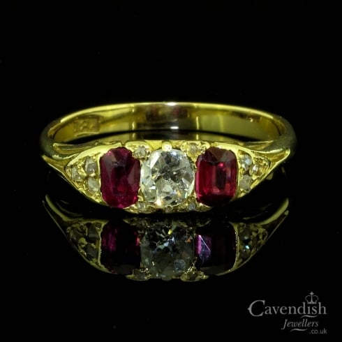Admirable 18ct gold, Ruby And Old Cut Diamond Trilogy