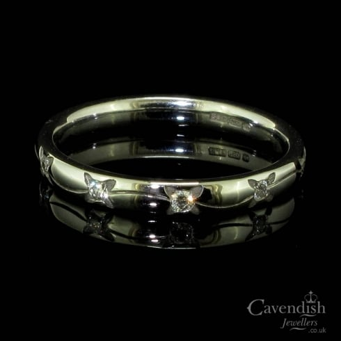 Adorable 18ct White Gold & Diamond Floral Engraved Wedding Ring