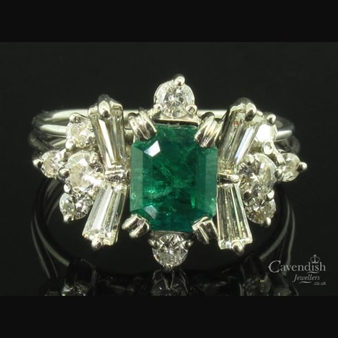 Amazing White Gold, Emerald & Diamond Fancy Cluster Ring
