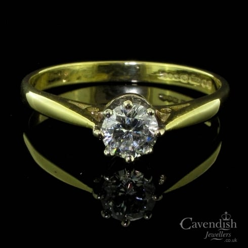 Appealing 18ct Gold And Diamond Solitaire Ring