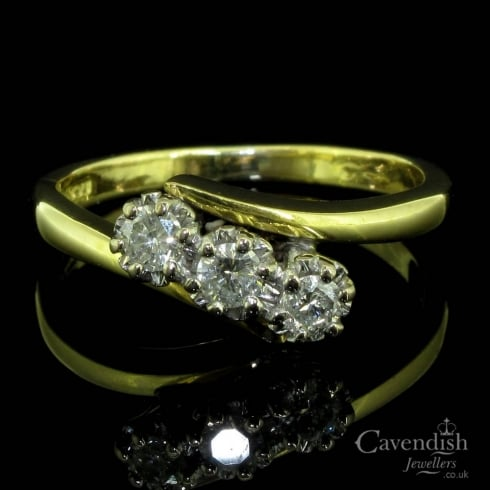 Attractive 18ct Gold And Diamond Trilogy Ring