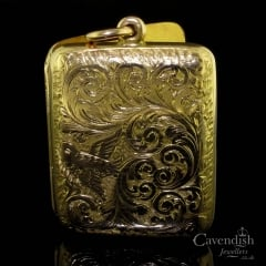 Attractive 9ct Gold Rectangular Engraved Locket