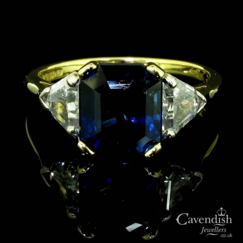 Beautiful 18ct Gold, Sapphire And Diamond Trilogy Ring