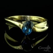 Beautiful 9ct Gold And Blue Topaz Twist Ring
