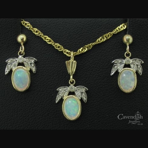 Beautiful Opal & Diamond Necklace & Earring Set