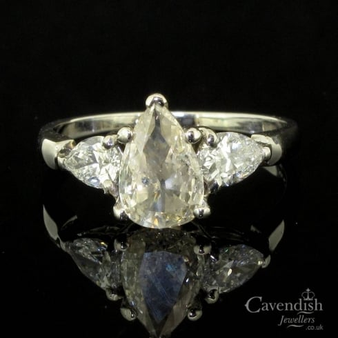 Captivating Vintage Pear Cut Diamond Trilogy Ring