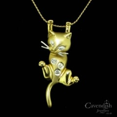 Characterful 9ct Gold & Diamond Cat Pendant Necklace