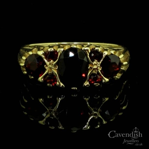 Charming 9ct Gold And Garnet 7 Stone Ring