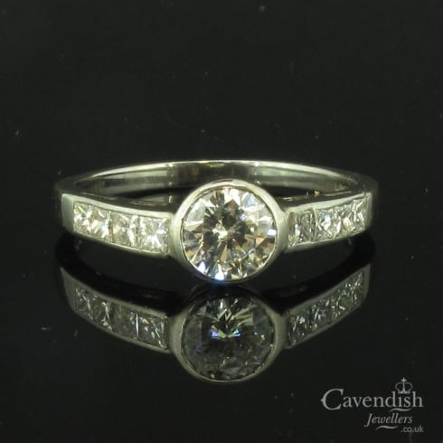 Dazzling 18ct White Gold And Mixed Cut Diamond Ring