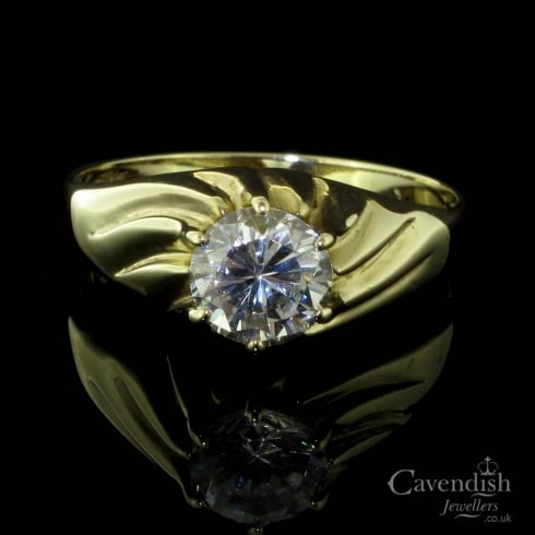 Delightful 9ct Gold And Cubic Zirconia Gents Ring