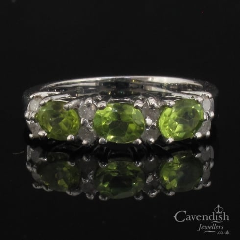 Delightful 9ct White Gold Peridot and Diamond Ring