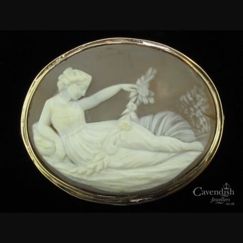 Desirable 9ct Cameo Brooch