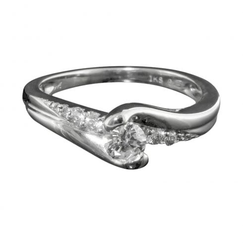 Diamond Solitaire Twist Ring