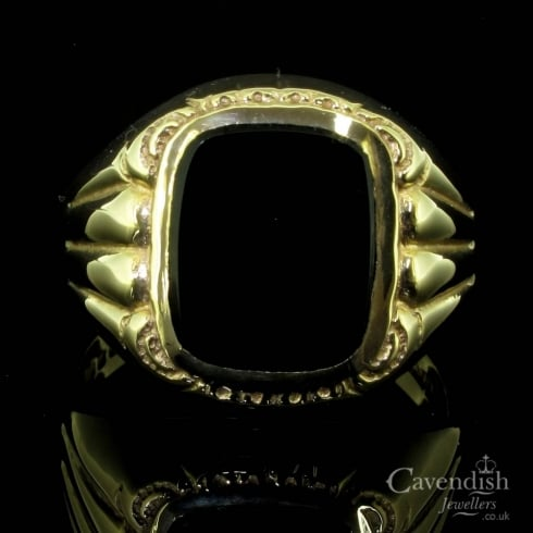Distinctive 9ct Gold And Onyx Vintage Gents Signet Ring