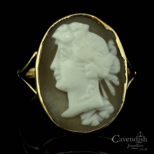 Elegant Yellow Gold Oval Cameo Ring
