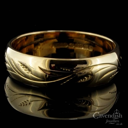 Engraved Floral 18ct Yellow Gold Wedding Band