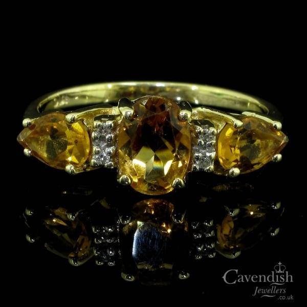 udobnost, izazov Exciting-9ct-gold-golden-topaz-and-diamond-dress-ring-p883-81388_image