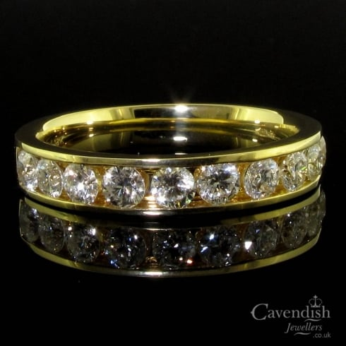 Eye-Catching 18ct Gold Half Eternity Diamond Ring