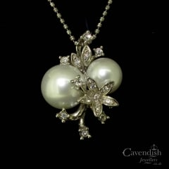 Faux Pearl Crystal Flower Pendant
