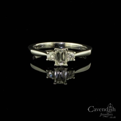 Glistening 18ct White Gold Diamond Trilogy Ring