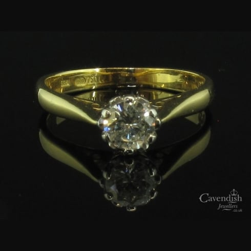 Glistening 9ct Gold & Diamond Solitaire Ring
