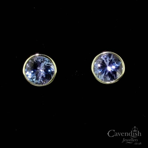 Glistening 9ct White Gold Round Cut Tanzanite Stud Earrings