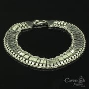 Gorgeous 9ct White Gold Fancy Bracelet