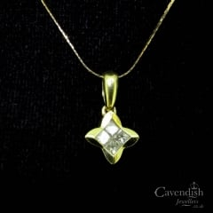 Handsome 18ct Gold & Diamond Star Pendant Necklace