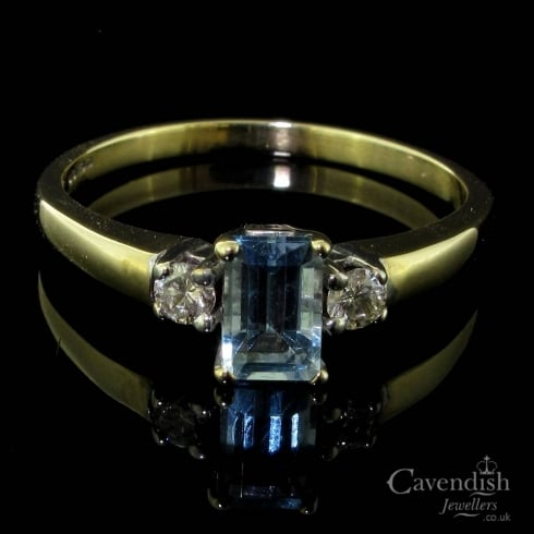 Impressive 9ct Aquamarine & Diamond Trilogy Ring