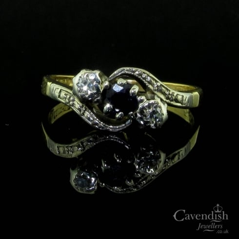 Lovely 18ct Gold, Platinum, Sapphire & Diamond 3 StoneTwist Ring