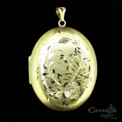 Lovely 9ct Gold Engraved Large Locket