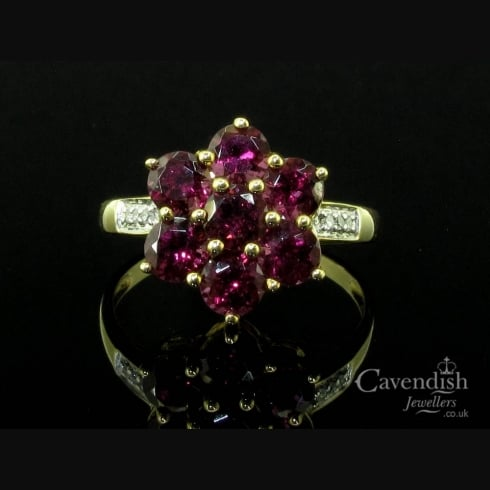 Pretty 9ct Gold, Rhodalite Garnet & Diamond Cluster Ring