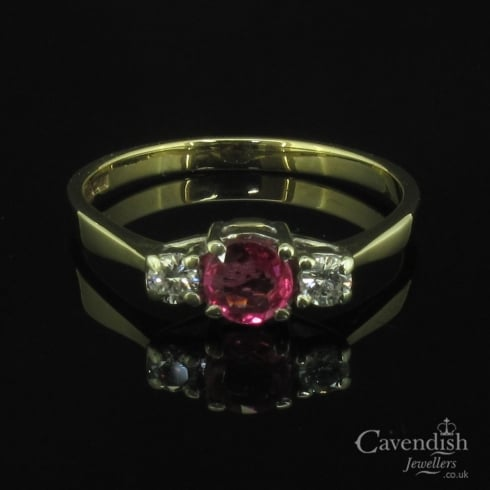 Pretty 9ct Gold Ruby & Diamond Trilogy Ring