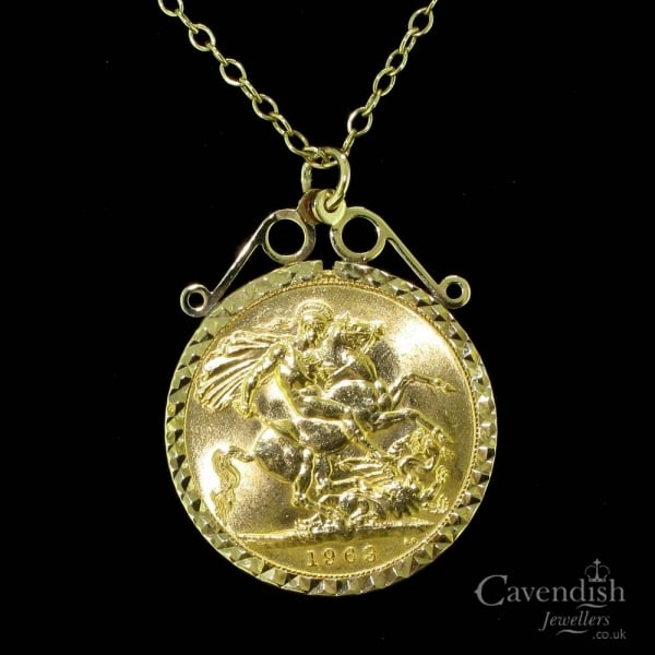 122f49c9cf749 Sought After 9ct Gold Mounted Full Sovereign Pendant Necklace