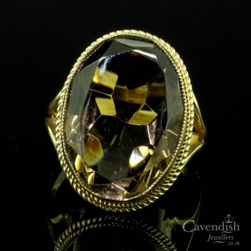 Striking 9ct Gold & Smokey Quartz Dress Ring