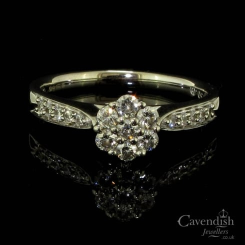 Stunning 18ct White Gold Diamond Flower Cluster Ring