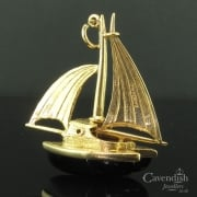 Superb 9ct Gold Yacht Charm