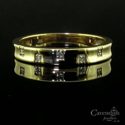 Unusual 9ct Gold Diamond Set Wedding Band