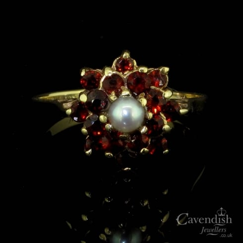 Vintage 9ct Gold Garnet and Pearl Cluster Ring