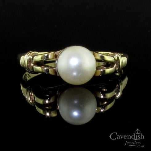Vintage 9ct Yellow Gold Cultured Pearl Ring